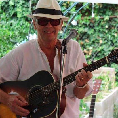 Kip Stewart - Solo Musician , Canterbury,  Singing Guitarist, Canterbury
