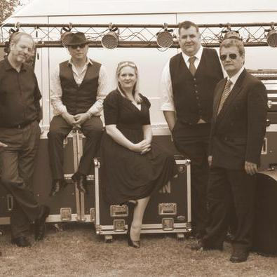 Handsome Norman - Live music band , Bath,  Function & Wedding Band, Bath Soul & Motown Band, Bath Pop Party Band, Bath Rock Band, Bath