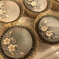 White Hyacinth Cake Design Cupcake Maker
