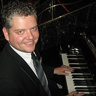 Adrian Moss Pianist