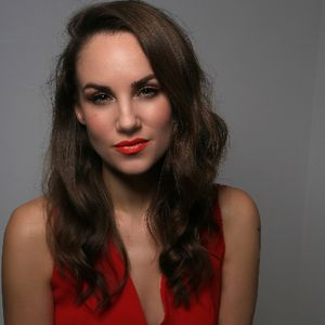 International vocalist Claire-Louise Jazz Singer