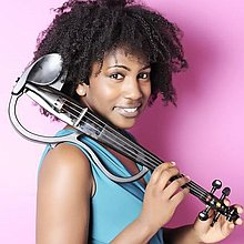 Iyanna Monique Violinist