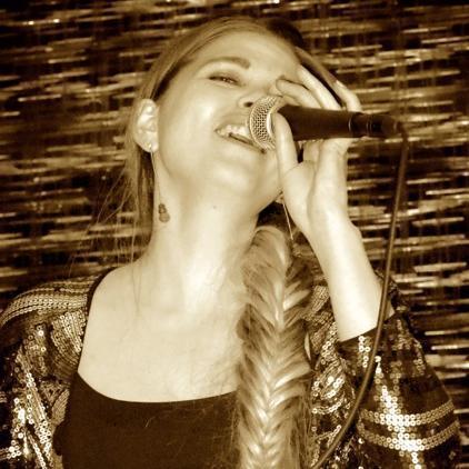 Louise Nornes Vintage Singer