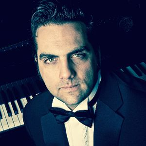 Daniel Benisty - Singer, Pianist, Entertainer Jazz Singer