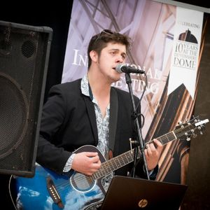 Ben Foulds Music Jazz Singer