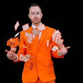 The Ginger Magician - Magician , London,  Close Up Magician, London Table Magician, London Wedding Magician, London Illusionist, London Mind Reader, London Corporate Magician, London