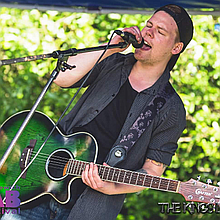 Marc Gollins Singing Guitarist