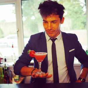 Hire a Private Bartender Bar Staff