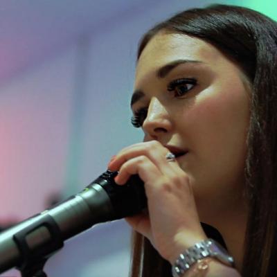 Jade Taylor Singer