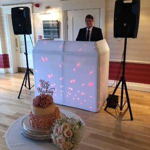 DJ Beats and Treats Wedding DJ