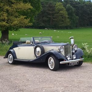 Wedding Car Hire Burton Vintage & Classic Wedding Car