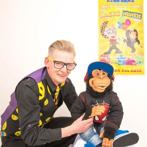 The Jacko and Nunkie Show - Children Entertainment , Swindon,  Children's Magician, Swindon Balloon Twister, Swindon