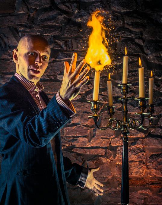 Scoop - Magician  - Lancashire - Lancashire photo