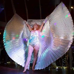 Emilia Topaz Burlesque Dancer