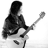 Liane Guitarist