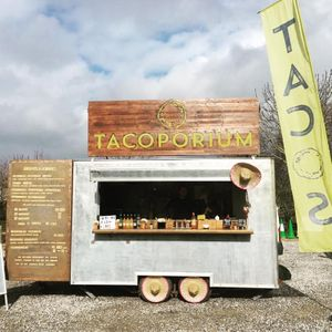 Tacoporium Food Van