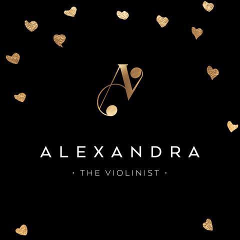 Alexandra - The Violinist Solo Musician