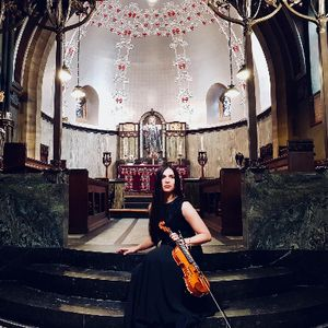 Rachel Somerset - Events Violinist Harpist