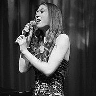 Livzi Music Singer