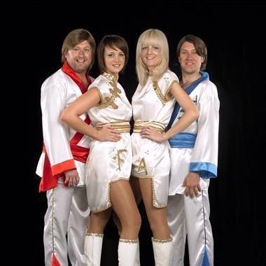 ABA Queens - Live music band , Cambridge, Tribute Band , Cambridge,  Function & Wedding Band, Cambridge ABBA Tribute Band, Cambridge 70s Band, Cambridge Pop Party Band, Cambridge