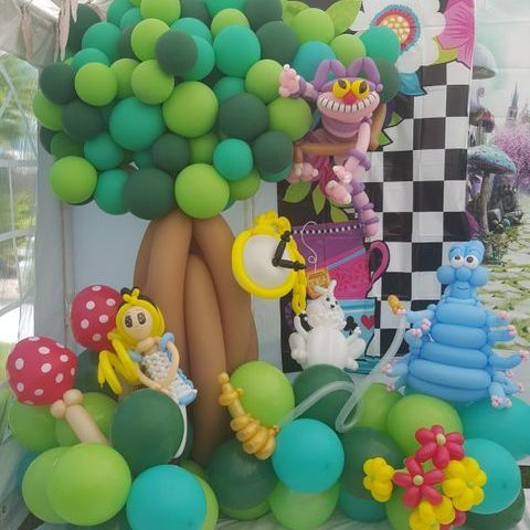 Nessy's Novelty Balloon Factory - Children Entertainment , Kent, Event Decorator , Kent,  Balloon Twister, Kent