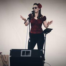 Sarah Probert - Singer , Norwich,  Wedding Singer, Norwich Live Solo Singer, Norwich Vintage Singer, Norwich