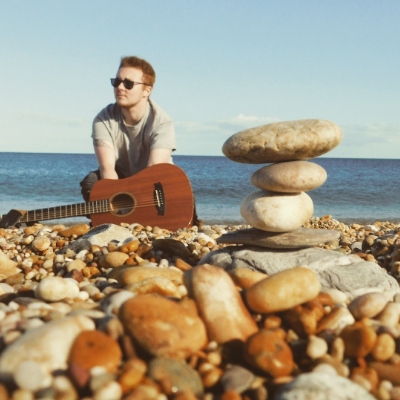 Jak Lewis Singing Guitarist