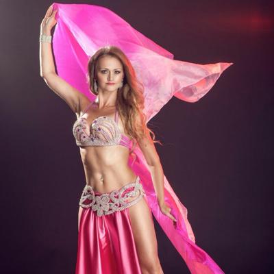 Maia Bellydancer Dance Act