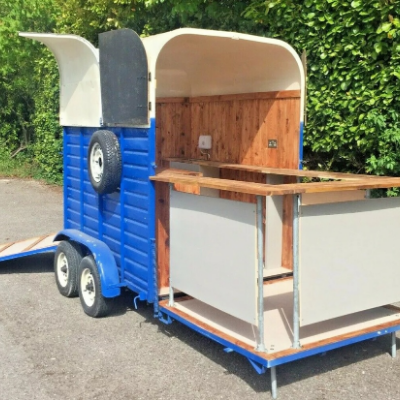 The Fine Filly Horsebox Bar Mobile Bar