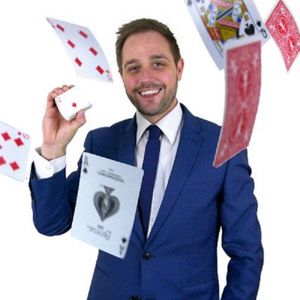 Tim Lichfield | Magician & Entertainer Magician