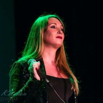 Fiona Vocalist - Singer , Suffolk,  Vintage Singer, Suffolk Wedding Singer, Suffolk Live Solo Singer, Suffolk