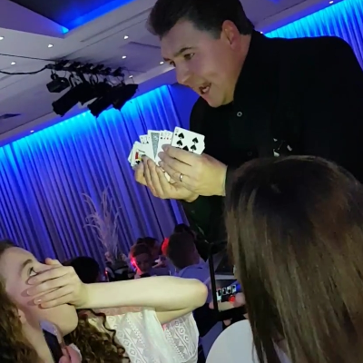 Darren Brand Magic Close Up Magician