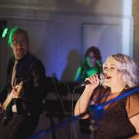 ICONIC - Live music band , Norwich,  Function & Wedding Band, Norwich Pop Party Band, Norwich Rock Band, Norwich
