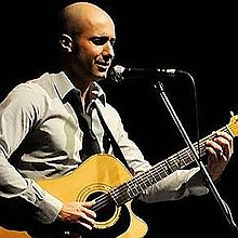 Paolo Coruzzi Singing Guitarist