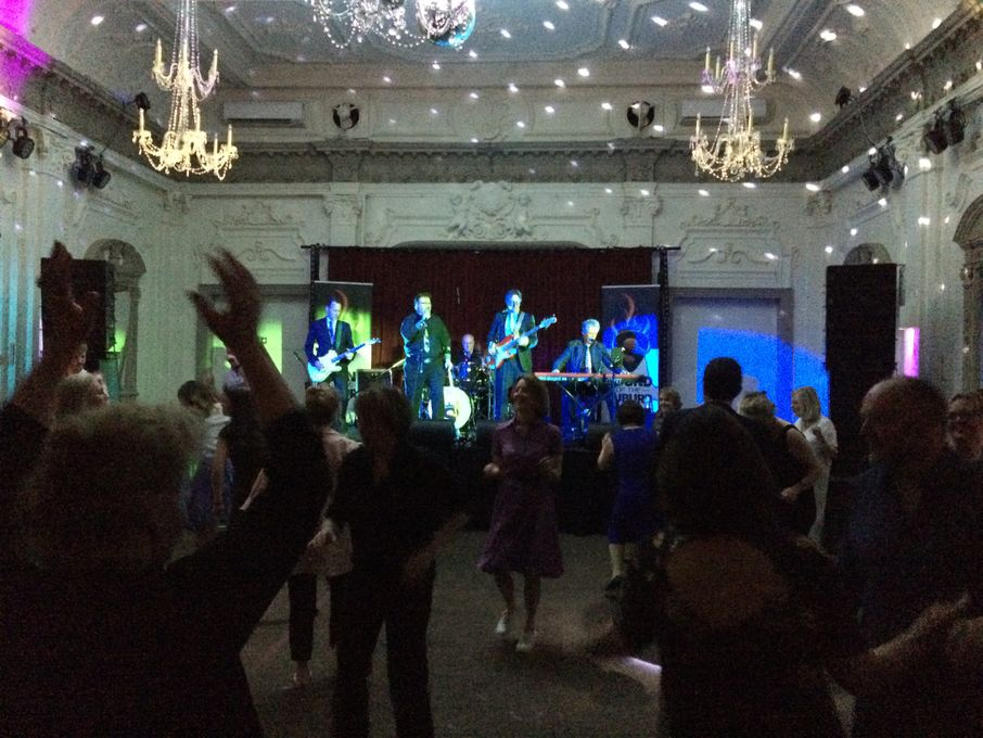 Sound of the Suburb - Live music band  - Greater London - Greater London photo