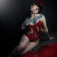 Amore Rocks Burlesque Dancer