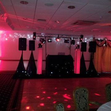 XL Discos Wedding DJ