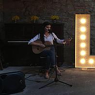 Aimee Lambert Singing Guitarist