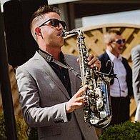 TheSaxWalker Saxophonist