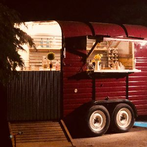 Vintage Bars & Catering Pizza Van