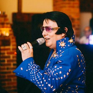 Elvis Tribute Gary Graceland - Tribute Band , Essex, Singer , Essex, Solo Musician , Essex, Impersonator or Look-a-like , Essex,  Elvis Tribute Band, Essex Wedding Singer, Essex Live Solo Singer, Essex 60s Band, Essex 70s Band, Essex 50s Band, Essex