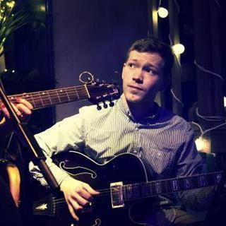 Thomas McConville Classical Guitarist