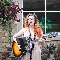 Samantha Jayne Singing Guitarist