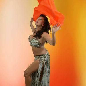 Dance With Suraya - Dance Act , Glasgow,  Belly Dancer, Glasgow Dance Instructor, Glasgow Dance Master Class, Glasgow