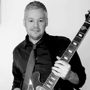 Paul Wilson - Live Music Events Singing Guitarist