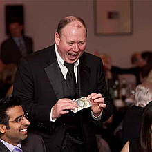 Gary James Corporate & Event Magician/Entertainer Wedding Magician
