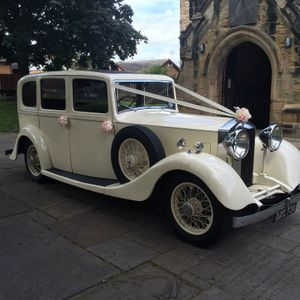 Candeo Wedding Carriages Chauffeur Driven Car