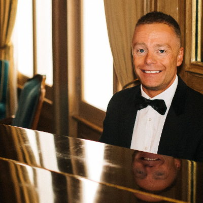 Lee Mathews Pianist