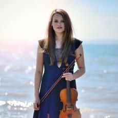 Hire Hollie Chapman Violin for your event in Hampshire