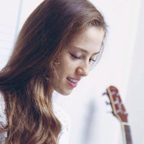 Valentina Scheffold Live Solo Singer